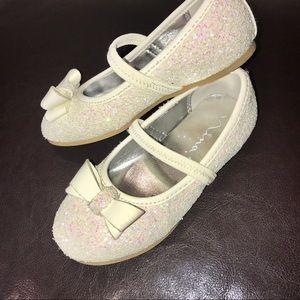Girls white sparkly dress shoe